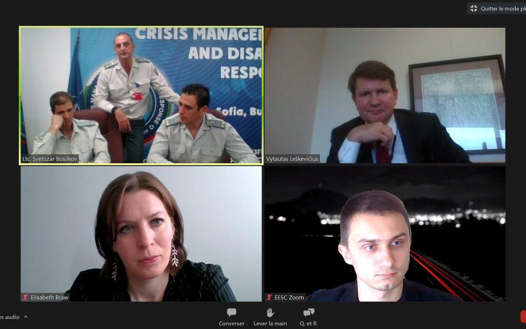 Diskusija skirta aptarti NATO gresiančias netradicines grėsmes